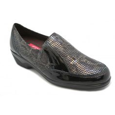 Loafers, Shoes, Fashion, Patent Leather, Over Knee Socks, Black People, Travel Shoes, Zapatos, Moccasins