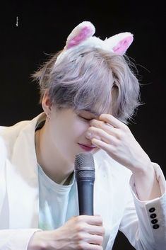 Suga with cute cat ears? My life is complete! Min Yoongi Bts, Min Suga, Yoonmin, Foto Bts, Bts Photo, Bts Bangtan Boy, Bts Jimin, Fansign Bts, Fanfiction