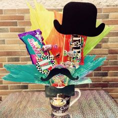 Food Bouquet, Candy Arrangements, Diy Gifts For Dad, Fathers Day Crafts, Ideas Para Fiestas, Pink Candy, Balloon Decorations, Mamas And Papas, Gift Baskets