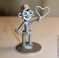 Купить Влюбленный человечек - серый, человечек, человечек из болтов, из гаек, сувенир, подарок, влюбленный