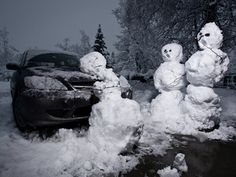 Due to the Extreme weather many of you maybe stranded at home,or enjoying the snow and having some fun.To help with the fun i found some tips that might help you with snowman making including tools...