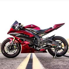 Double tap for candy red @streetbikesforever #sportbike #braptube #sportbikelife #yamaha #r6