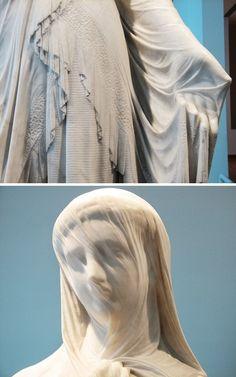 Скульптура— один изсамых чувственных видов искусства. Ноиногда гениальность мастеров превосходит все ожидания, итогда получаются каменные шедевры, которые можно легко принять занечто иное. AdMe.ru восхищается скульпторами, которые заставляют нас неверить своим глазам.