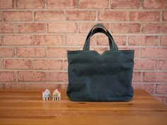 Waxed Canvas Zipper Tote in Evergreen Vegan Day Bag by solaWu