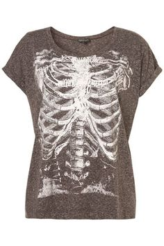 I had a shirt JUST like this that I'd wear with ripped jeans and a flannel <3