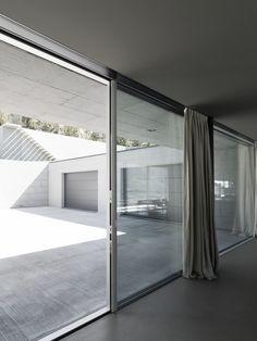 Architecture: Alfredo Vanotti   Photography: Marcello Marina