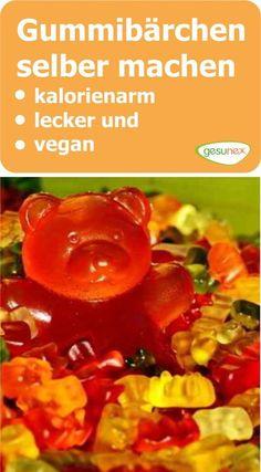 #Gummibärchen gehören zu den süßen Verführungen, denen kaum jemand widerstehen kann. Leider sind sie zumeist recht süß und seltenst vegan. Dabei ist es gar nicht schwer, eigene #Fruchtgummis selber herzustellen. #DIY #vegan #kalorien