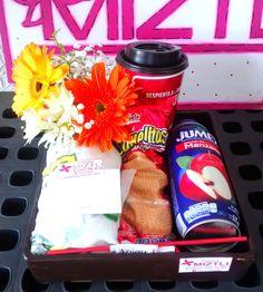 También a los hombres se les regalan flores. Que tal este rico desayuno! Ven a #FloreriaMiztli