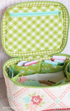 Crimson & Clover Train Case | Schnitt: Sew Sweetness