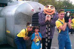 PARADE DESPICABLE ME http://familylifeandstuff.com/my-amazon-store/ #videos #familytravel #universalstudios