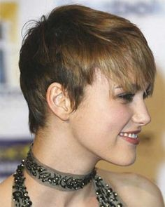 Gorgeous Blonde Pixie Hairstyle Women Short-fabulous-hairs