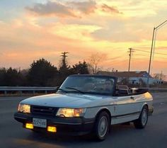 Saab 900 Cabriolet with yellow-bulb foglamps on Saab 900 Convertible, Saab Turbo, Saab 9 3, Mode Of Transport, Dream Cars, Bulb, Yellow, Classic, Autos