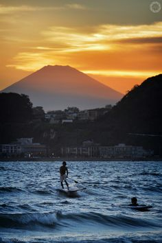 Kamakura Beach, Mount Fuji - By Alfie | Japanorama.