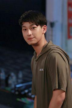 SUN ~ My dear Loser Future Boyfriend, Future Husband, Cute Gay Couples, Teen Boys, Meme Faces, Series Movies, Youngjae, Asian Boys, Boyfriend Material