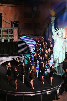 The Brooklyn Dancers olv Lucia Marthas. Met April Darby. brooklyn-nights.nl
