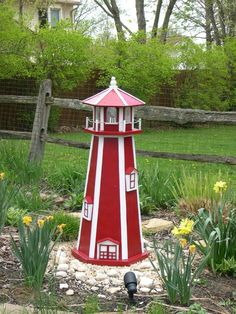 AmishMade Standard Poly Garden Lighthouse Lighthouse Solar and