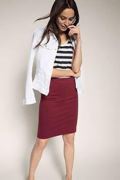 edc - Bleistiftrock aus Jersey im Online Shop kaufen Burgundy Jeans, Shops, Neue Trends, Edc, Skirts, Fashion, Full Skirts, Fashion Women, Moda