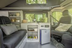 Van aménagé | Gamme TREK | Hanroad 5 places trafic Vw Camper, Camper Trailers, Bus House, Tiny House, Camping Box, 4x4 Van, Van Car, Living On The Road, Van Interior
