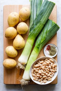 This Potato, Leek & White Bean Soup recipe is hearty and healthy, perfect for lunch or dinner anytime of year. Recipe is vegan, gluten free, oil free and low fat. Leek Recipes, Bean Soup Recipes, Healthy Soup Recipes, Raw Food Recipes, Vegetarian Recipes, Cooking Recipes, Vegan Soups, Chili Recipes, Dinner Recipes