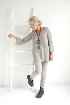 Harmonic look with natural colored linen. BYPIAS Tunic NONAME & Linen Pants TEASE @bypiaslifestyle www.bypias.com