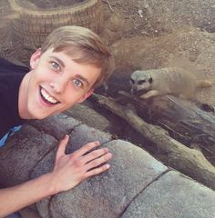 I love youtubers. OH GOSH HOW I LOVE YOUTUBE.