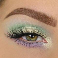 Make-up: Wie kann man ihre braunen Augen schminken? Inspirations-Make-up: 25 Mö… Make-up: How can you make-up your brown eyes? Inspiration make-up: 25 ways to wear green on the eyes! Makeup Inspo, Makeup Art, Beauty Makeup, Face Makeup, Makeup Ideas, Makeup Geek, Makeup Guide, Belle Makeup, Eye Makeup Tips