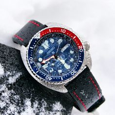 The Seiko Padi on a Black/Red Waterproof Strap❄❄❄