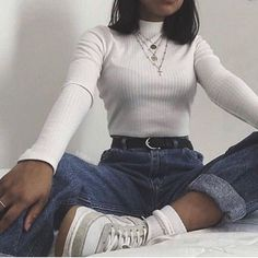 Over 10 inspiring boyfriend jeans outfits for fashion girls for everyday 6 . - Over 10 inspiring boyfriend jeans outfits for fashion girls for everyday 69 - Outfit Jeans, Boyfriend Jeans Outfit, Jeans Outfit Winter, Boyfriend Style, Aesthetic Fashion, Aesthetic Clothes, Look Fashion, Aesthetic Style, 90s Fashion