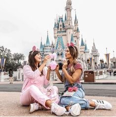 Orlando Disney Magic Kingdom magic world dream unforgettable travel dest Disneyland Outfits, Disneyland Photos, Disney Outfits, Disney Magic Kingdom, Walt Disney, Disney Trips, Orlando Disney, Orlando Travel, Disney Land Pictures