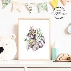 Stylový obrázek do dětského pokoje či spacího koutku v ložnici. Plakátky k sobě vzájemně ladí a lze jakkoli kombinovat a vytvářet si vlastní sety, díky čemuž Vám vzniknou krásné designové doplňky pro Vaše nejmenší. Tisk je zajištěn na profesionální tiskárně na kvalitní papír o vysoké gramáži 260 gms v bílé barvě. #dekorace #detskypokoj #pokojicek #deti #miminko #miminka Stylus, Panda, Gallery Wall, Frame, Design, Home Decor, Picture Frame, Decoration Home, Style
