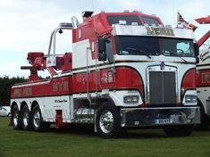 what a beauty! Heavy Duty Trucks, Big Rig Trucks, Heavy Truck, Semi Trucks, Cool Trucks, Custom Big Rigs, Custom Trucks, Tow Truck Driver, Kenworth Trucks
