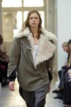 BALENCIAGA, AW04. This would be gorgeous with a skinny pair of trousers and a sleek and interesting high heeled bootie.