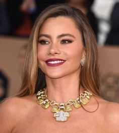 David Webb jewelry worn by Sofia Vergara at the 2016 Screen Actors Guild Awards.