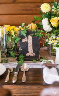 These wooden table numbers will be the finishing touch to your wedding reception table décor. Great for a rustic wedding theme.