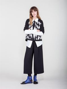 Naughty Dog FW1617 black and white blouse and black midi pants. Model wears also our classic long sleeves white shirt.