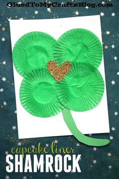 Cupcake Liner Shamrock {Kid Craft} St Patrick's Day Craft - St Patty's Day Art Project - 5 Minute DIY for Toddlers Patricks day crafts for kids Cupcake Liner Shamrock {Kid Craft} March Crafts, St Patrick's Day Crafts, Fun Crafts, Paper Crafts, Creative Crafts, Spring Crafts, Crafts Cheap, Holiday Crafts, Holiday Ideas