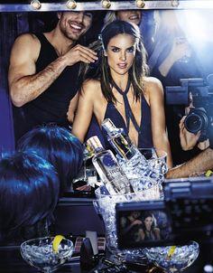 """Alessandra Ambrosio volto di Cîroc Ultra Premium Vodka - Cîroc Ultra Premium Vodka presenta la nuova edizione di """"On Arrival"""", la campagna fotografata da Mario Testino in cui la protagonista è la modella Alessandra Ambrosio. - Read full story here: http://www.fashiontimes.it/2017/02/alessandra-ambrosio-volto-ciroc-ultra-premium-vodka/"""