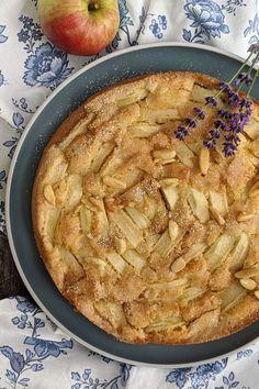 Rezept - Apfelkuchen mit Zimt: Apfelkuchen backen ist mit diesem Apfelkuchen Rezept einfach möglich. Zimt- und Zuckerkruste und karamellisierten Mandeln geben dem Springform Apfelkuchen den gewissen Kick.