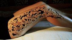 TOP 10: Los mejores tatuajes en 3D Hace muchos años que los humanos tatuamos nuestra piel para mandar diferentes mensajes, y algunos son verdaderas obras de arte. Hacemos un repaso de los mejores en tres dimensiones. http://www.lostops.com/entretenimiento/top-10-los-mejores-tatuajes-en-3d-63.html