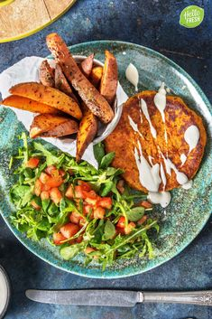 Carrot-pumpkin burger with lime mayonnaise HelloFresh - Vegetarische recepten Clean Eating Recipes, Raw Food Recipes, Vegetarian Recipes, Healthy Recipes, Healthy Diners, Lucky Food, Hello Fresh Recipes, Food Porn, Happy Foods