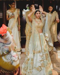 Goofing around - check out more from this exquisite kumarakom Wedding on the Wedmegood app . Shadi Dresses, Pakistani Dresses, Indian Dresses, Indian Outfits, Indian Clothes, Indian Bridal Lehenga, Indian Bridal Fashion, Indian Sarees, Bridal Outfits