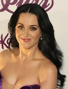 Katy Perrys sexy, long hairstyle