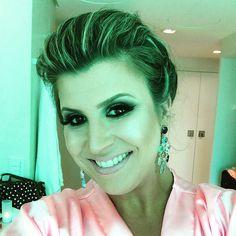 Make e cabelo by @espacodellasbar .... como sempre amei!! #paraserbonitadivirtase @ciliosdacatarina e Alessandra!