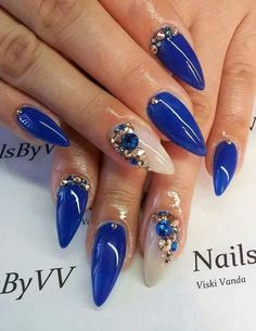 Love the shape and embellishments! Nail Stiletto, Pointy Nails, Dope Nails, Bling Nails, Fun Nails, Perfect Nails, Gorgeous Nails, Blue Nail Designs, Nails Only