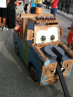 Halloween Decorations For Cars Narrow - halloween costume out of cardboard, tape, and a wagon Mardi Gras Costumes, Baby Halloween Costumes, Halloween Kostüm, Holidays Halloween, Wagon Costume, Stroller Costume, Wheelchair Costumes, Bike Parade, Mardi Gras Float