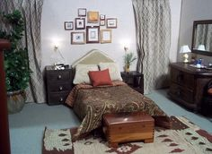 1/6 scale Bedroom by Vanessa Morrison by vansdolltreasures, via Flickr