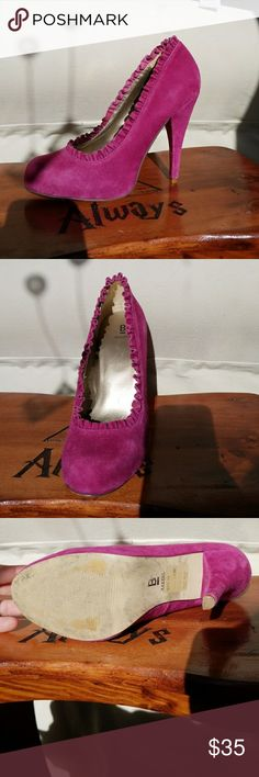 Shoes Size 7 purple suede pumps with ruffling by Bakers Bakers Shoes Heels