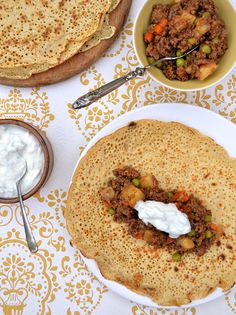 Keema aloo (Indian spiced minced beef and potatoes) served with home ...
