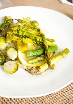 Receta de pescado al limón Tilapia, Simple Rules, Recipe Community, Avocado Toast, Food Porn, Dinner Recipes, Beef, Dishes, Vegetables