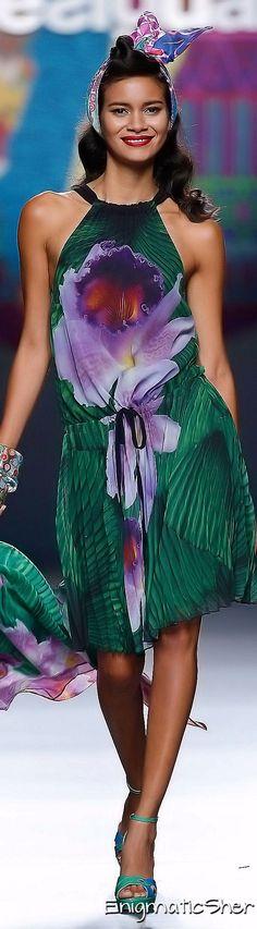 Une fois en boutique, j'irai l'essayer...au moins! Desigual Spring-Summer 2015 Ready-To_Wear